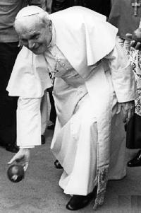 bocce-pope.jpg